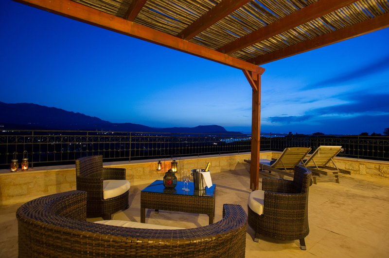 Villa Petramithia 10, alquiler vacacional en Plaka