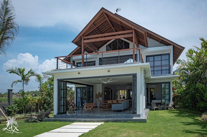 Villa Lux biedt u een geweldige ruimte voor u en uw gezin om onvergetelijke herinneringen te maken.