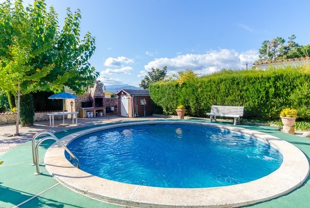 Franciac Villa Sleeps 5 with Pool - 5568928, holiday rental in Vilobi d'Onyar