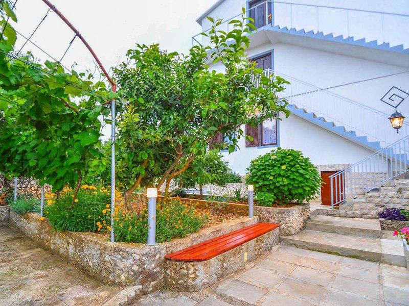 Lavanda, vacation rental in Razanj