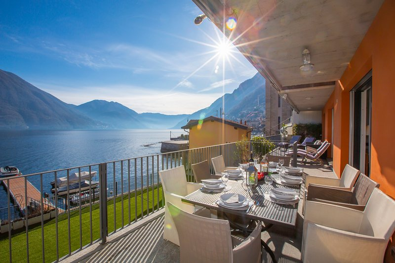 Argegno Fronte Lago, holiday rental in Pigra