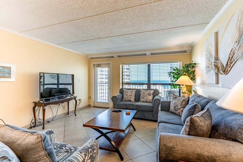 Dog-friendly, beachfront resort with pools, hot tubs, tennis courts, and more!, vacation rental in Port Isabel