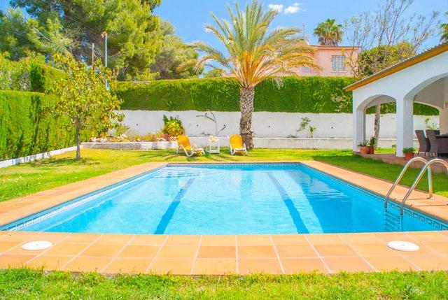 Roda de Bera Villa Sleeps 8 with Pool - 5509280, location de vacances à Creixell