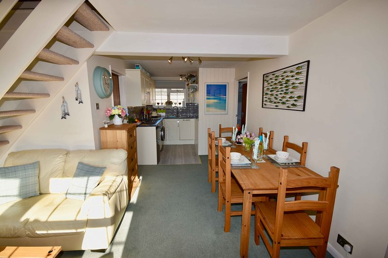 Harbour Life Dog welcoming Yarmouth First Floor Apartment, sleeps 4, holiday rental in Yarmouth