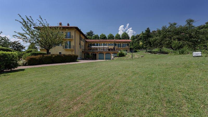 CASCINA BORDANA 10, Emma Villas Exclusive, vacation rental in Bollengo