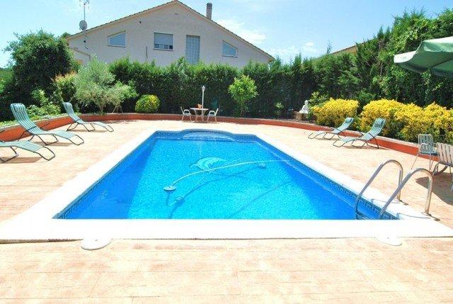 Fogars de Tordera Villa Sleeps 10 with Pool - 5581871, casa vacanza a Breda