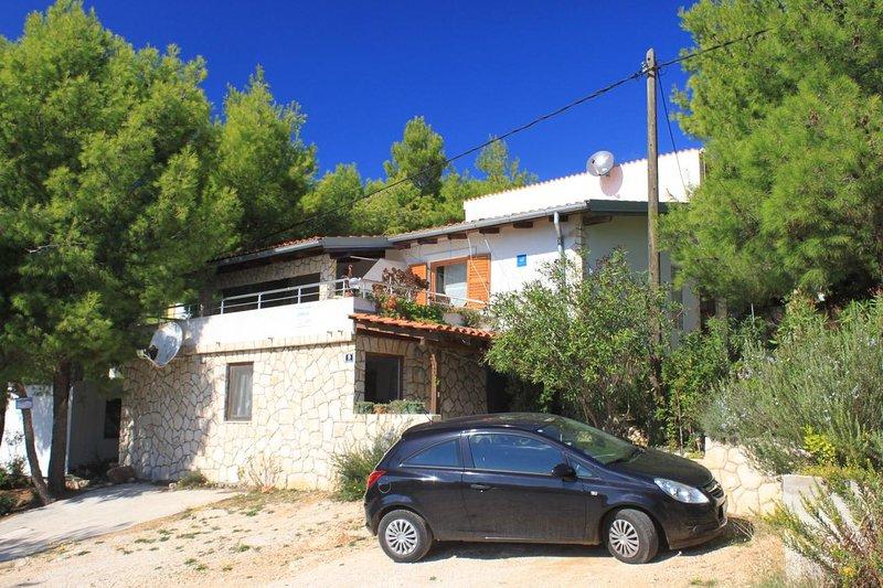 Rukavac Apartment Sleeps 2 with Air Con - 5460693, holiday rental in Rukavac