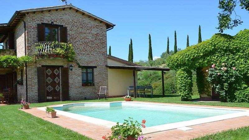CASETTA SELVELLA 4+1, Emma Villas Exclusive, vacation rental in Castiglione del Lago