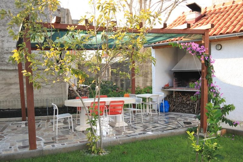 Kukljica Apartment Sleeps 4 with Air Con - 5468359, vacation rental in Kukljica
