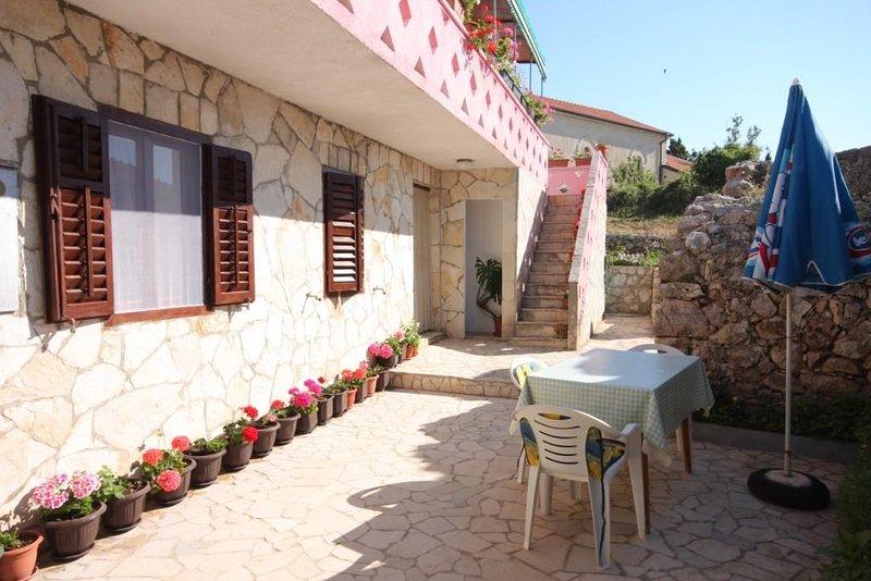 Stivan Apartment Sleeps 3 - 5459281, holiday rental in Stivan