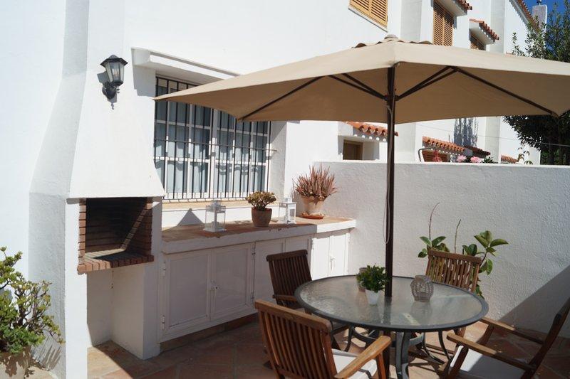 Chalet Adosado en Zahara Beach, holiday rental in Zahara de los Atunes