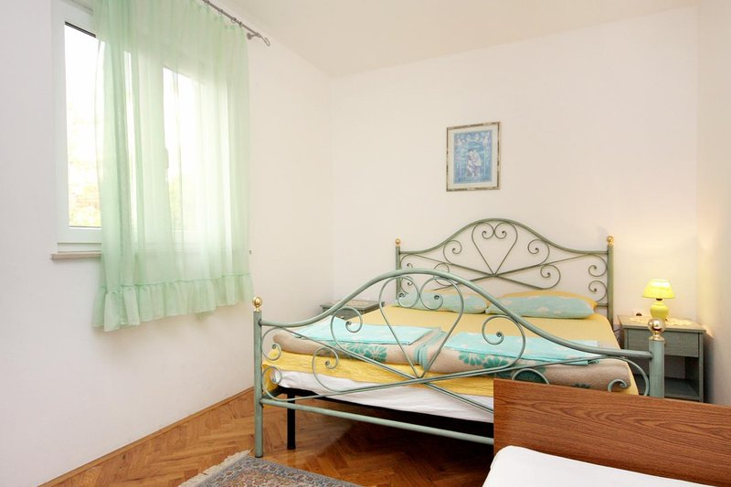 Selce Apartment Sleeps 5 with Air Con - 5460621, location de vacances à Selce