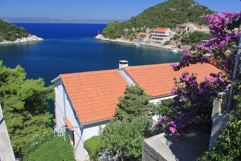 Zaklopatica Apartment Sleeps 6 with Air Con - 5468230, holiday rental in Zaklopatica