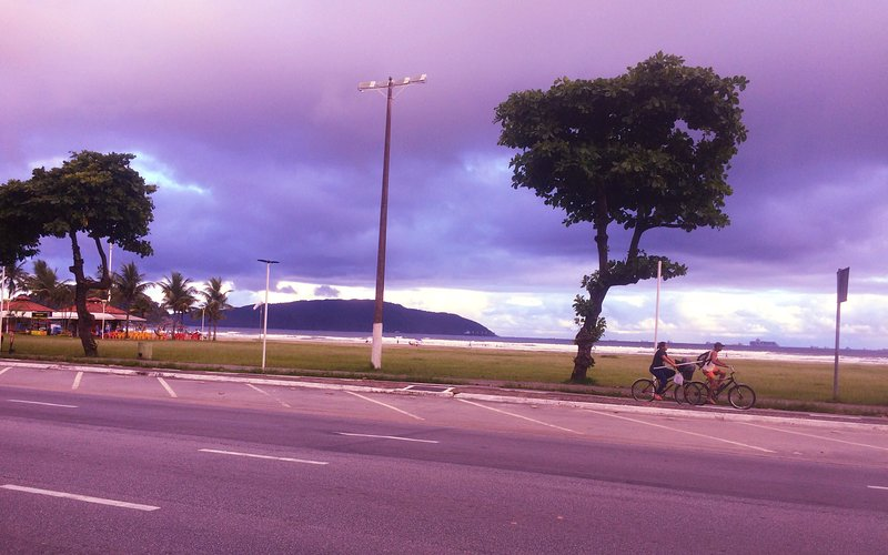 Caranaval - Kitnet -Suíte Standard-50m da Praia - Itarare - Sao Vicente, location de vacances à Sao Vicente
