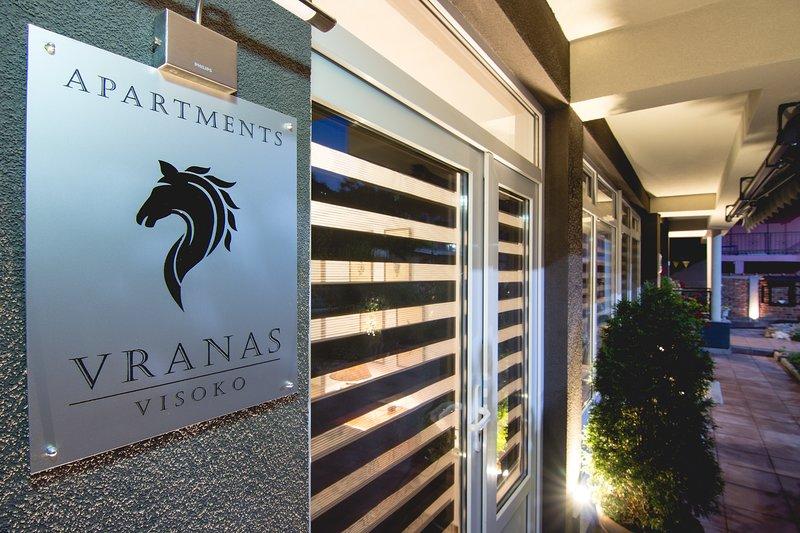 Apartments VRANAS, holiday rental in Ilijas