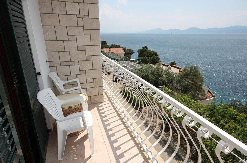 Veli Drvenik Apartment Sleeps 9 with Air Con - 5463534, casa vacanza a Drvenik