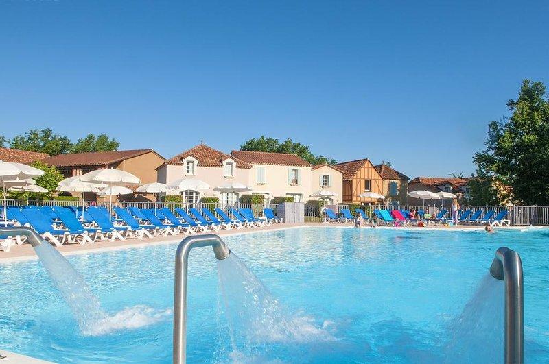 La résidence vacances  MONDESIR 3 étoiles, location de vacances à Saint-Eutrope-de-Born