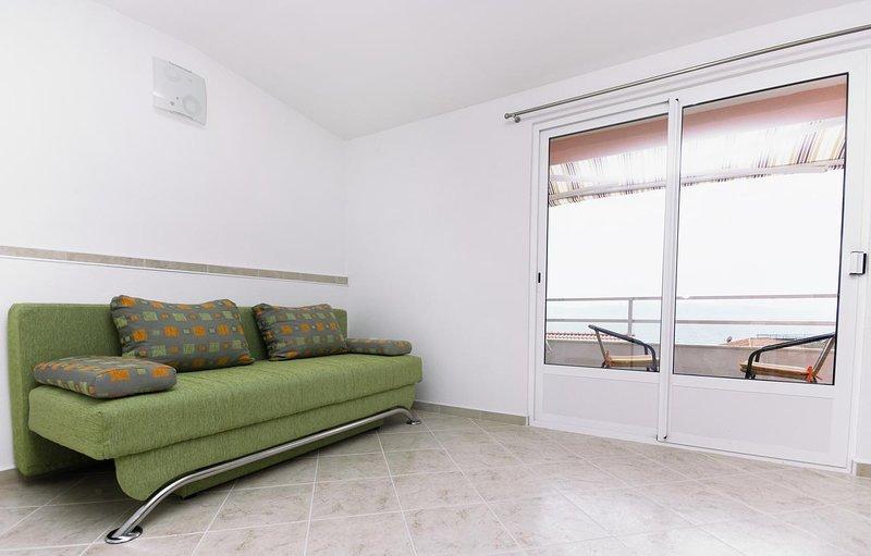 Krzanici Apartment Sleeps 4 with Air Con - 5461085, alquiler de vacaciones en Podgora