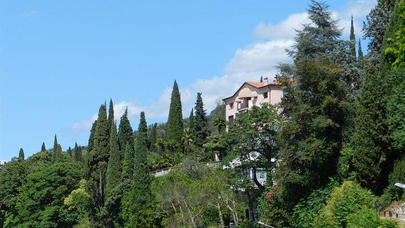CORAZZA 6+1, Emma Villas Exclusive, vacation rental in Torri del Benaco