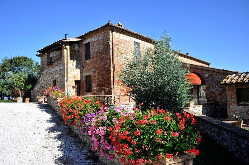 Brucciano Holiday Home Sleeps 20 with Pool Air Con and WiFi - 5829772, location de vacances à Murlo