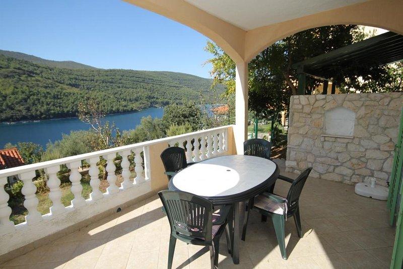 Hrvatini Apartment Sleeps 4 with Air Con - 5461590, casa vacanza a Duga Luka