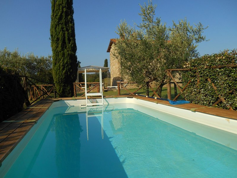 Rota Holiday Home Sleeps 3 with Pool and WiFi - 5788734, holiday rental in Leccio