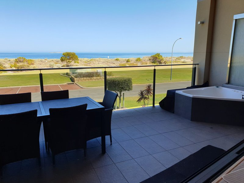 The Pearl, Jurien Bay, holiday rental in Green Head