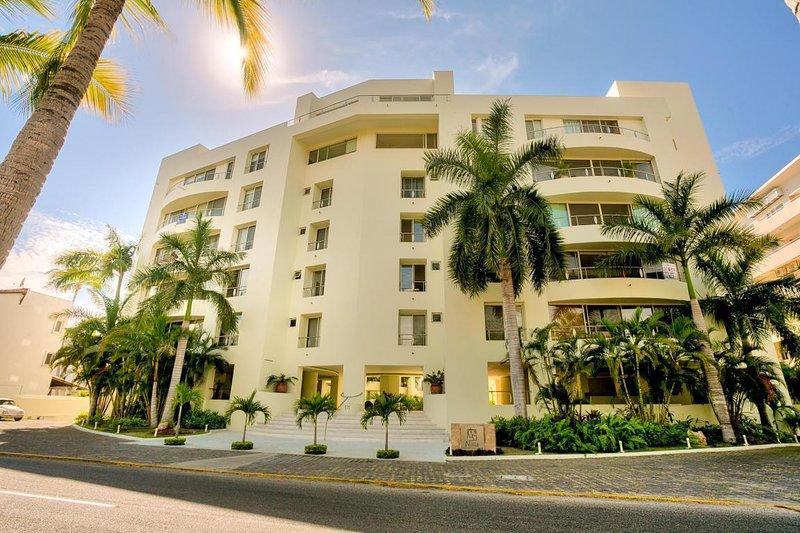 1 Bedroom Nitta ,sleeps 2, Central Courtyard View, Bright, fully equipped, alquiler de vacaciones en Flamingos