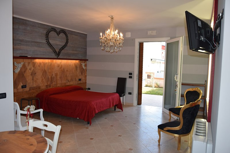 Beautiful apartment with garden, location de vacances à Bassano Del Grappa