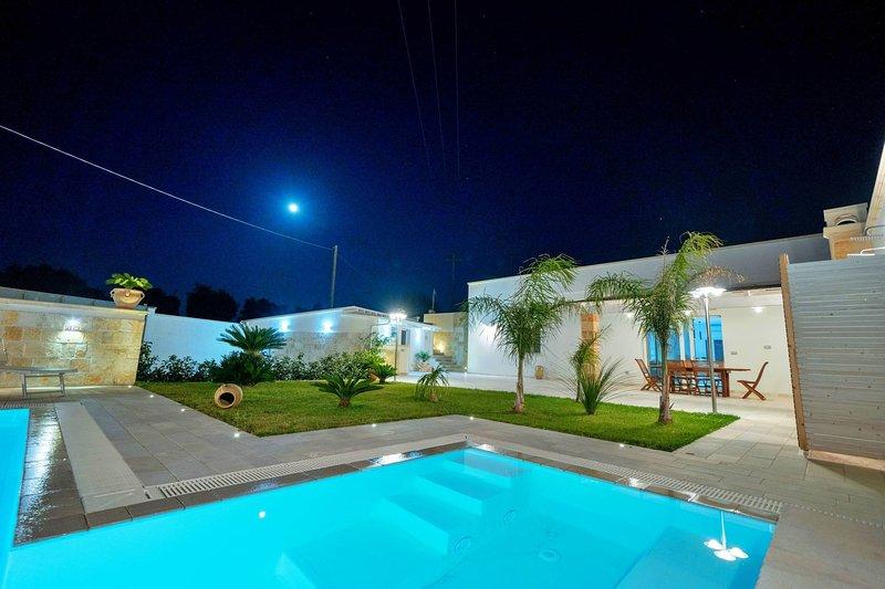Luxury Villa Gargasole con Piscina Privata nel Salento, vacation rental in Montesardo