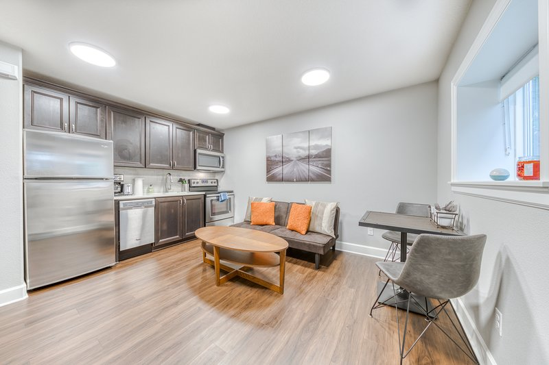 Modern, dog-friendly condo with free WiFi, full kitchen, & private entrance!, holiday rental in Milwaukie