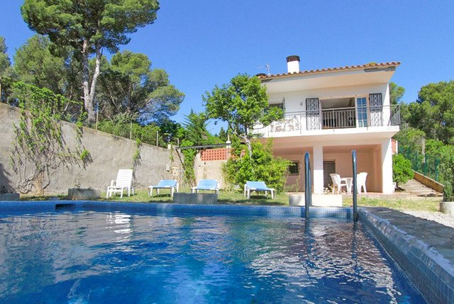 Tamariu Villa Sleeps 4 with Pool and Free WiFi - 5509386, Ferienwohnung in Tamariu