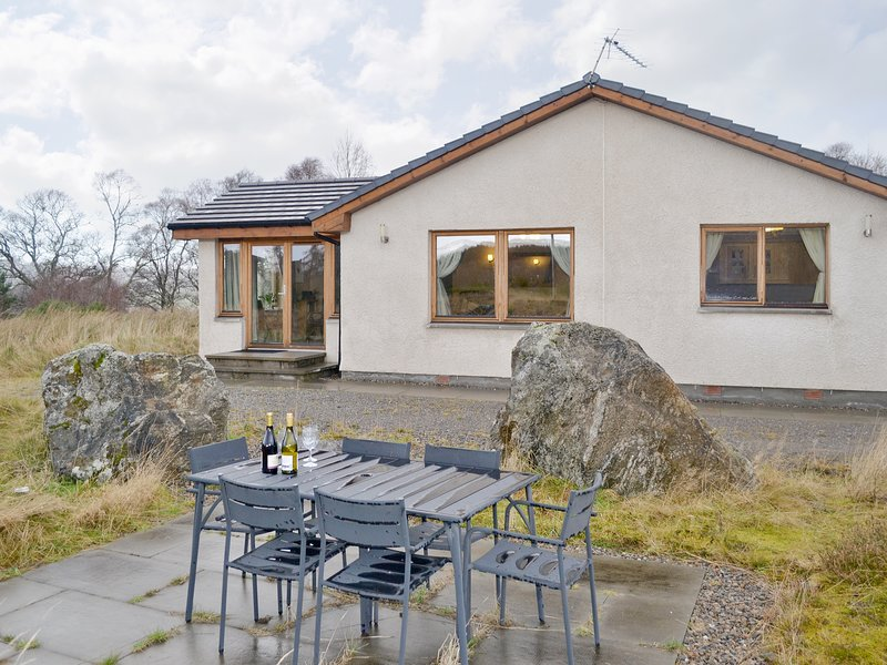 Strathnairn, holiday rental in Flichity
