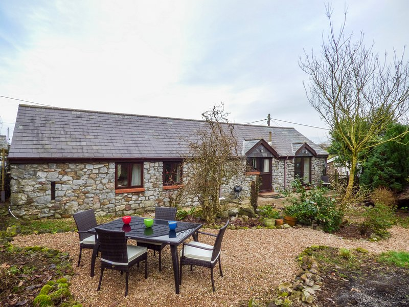 OLD DAIRY, detached, pet-friendly, all ground floor, WiFi, in Scurlage, Ref, casa vacanza a Rhossili