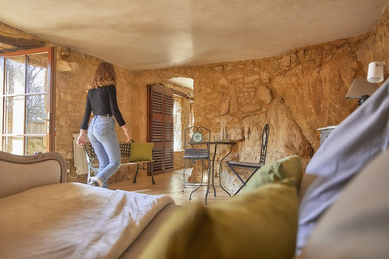 Suite Troglodyte dans demeure classée de 1801, holiday rental in Vitrac