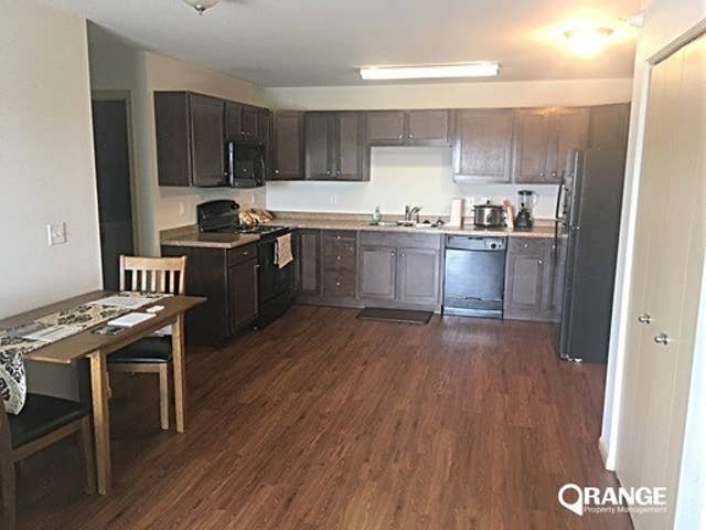 2 bd, 2 ba apartment with full kitchen! Sleeps 5!, vacation rental in Keene