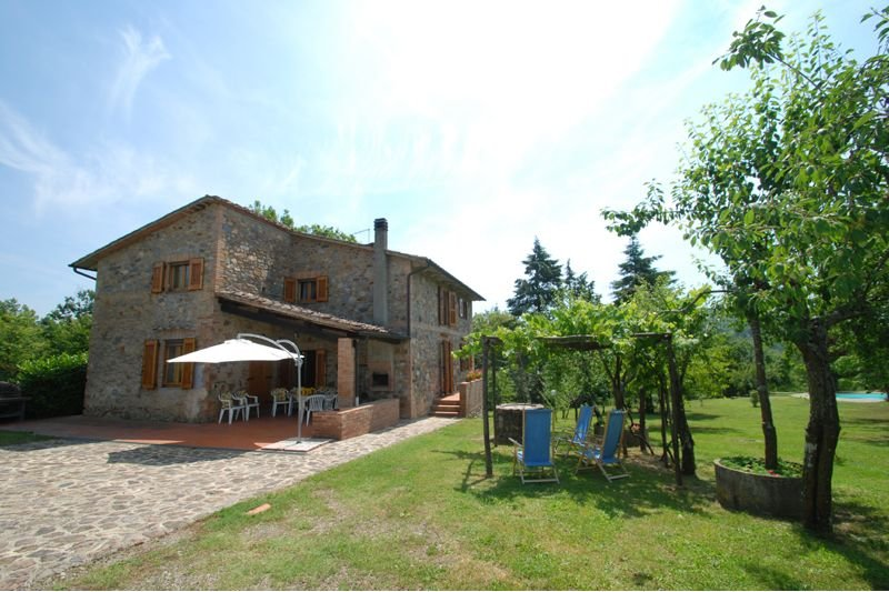 Monticiano Villa Sleeps 10 with Pool and Air Con - 5711225, holiday rental in Monticiano