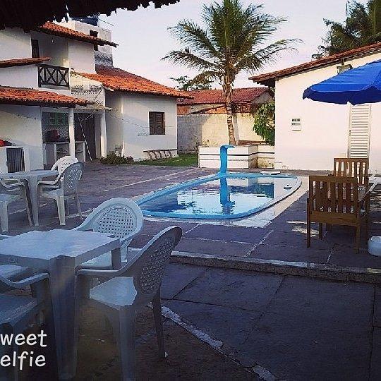 Aluga-se ótima casa de 02 andares com piscina nos Lençóis Maranhenses, holiday rental in Barreirinhas