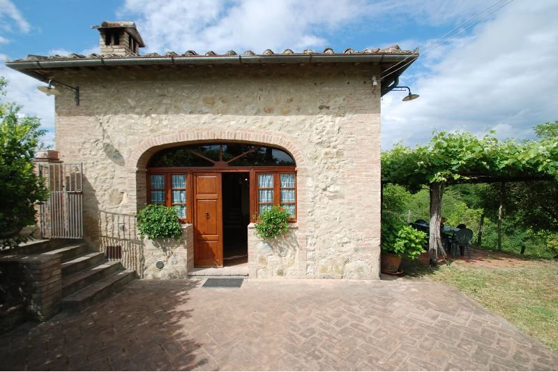 Montalcinello Cottage Sleeps 3 - 5711288, vacation rental in Ciciano