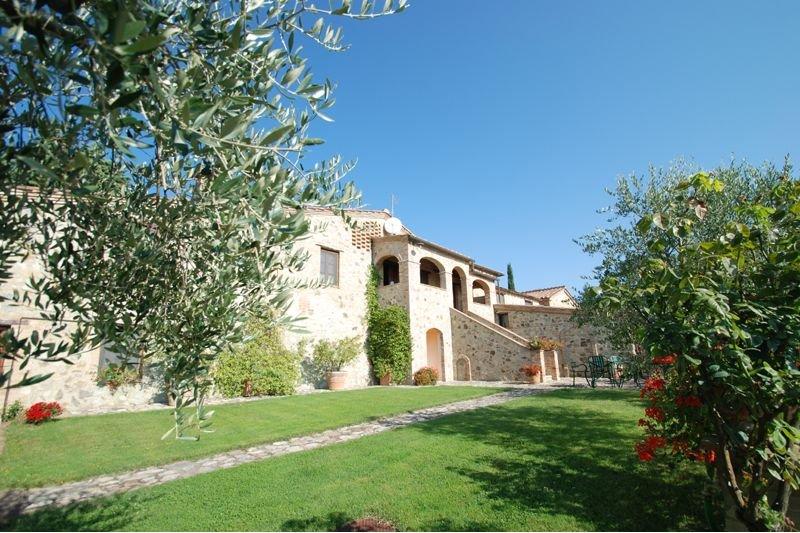Villa Montesoli Farmhouse Sleeps 2 with Pool and Air Con - 5711129, holiday rental in Murlo