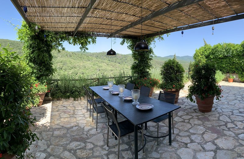 Selvole Villa Sleeps 6 with Pool - 5695997, holiday rental in Gaiole in Chianti