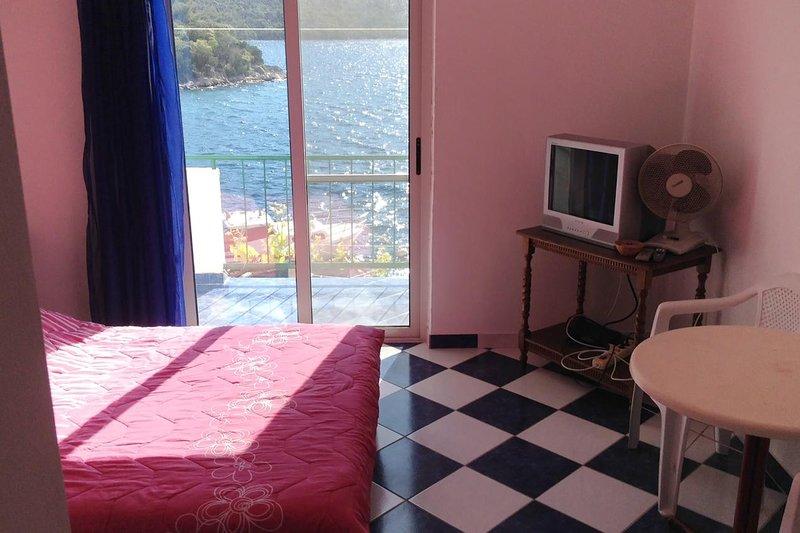 Krucica Apartment Sleeps 2 - 5468337, aluguéis de temporada em Ubli