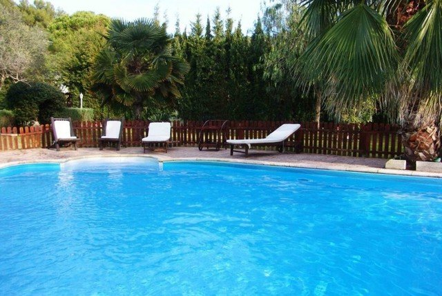 Calafell Villa Sleeps 6 with Pool Air Con and Free WiFi - 5570189, vacation rental in Segur de Calafell