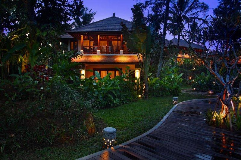 Three Bedroom Villa - Breakfast, holiday rental in Bangli