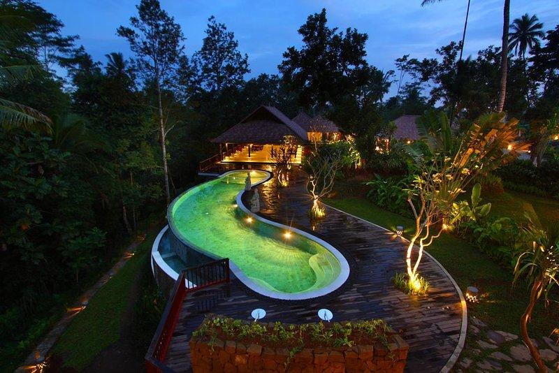 Two Bedroom Villa - Breakfast, holiday rental in Kenderan