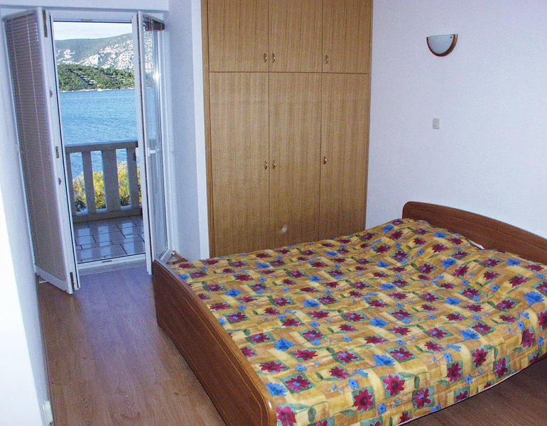 Kneza Apartment Sleeps 3 with Air Con - 5458958, holiday rental in Pupnat