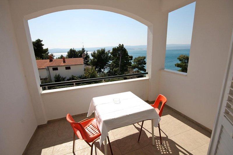 Kutlesa Apartment Sleeps 2 with Air Con - 5460072, vacation rental in Medici