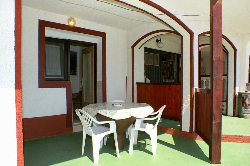 Stanisce Apartment Sleeps 3 with Air Con - 5462220, vacation rental in Potocnica