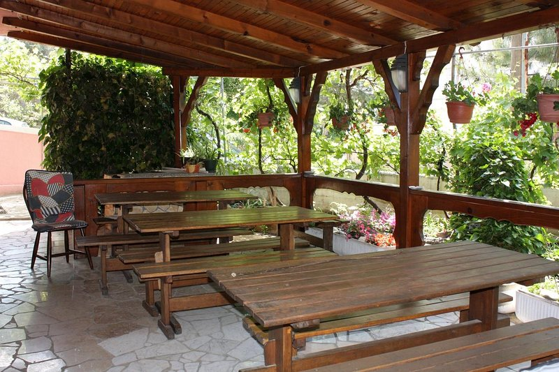 Punat Apartment Sleeps 8 with Air Con - 5464268, holiday rental in Punat
