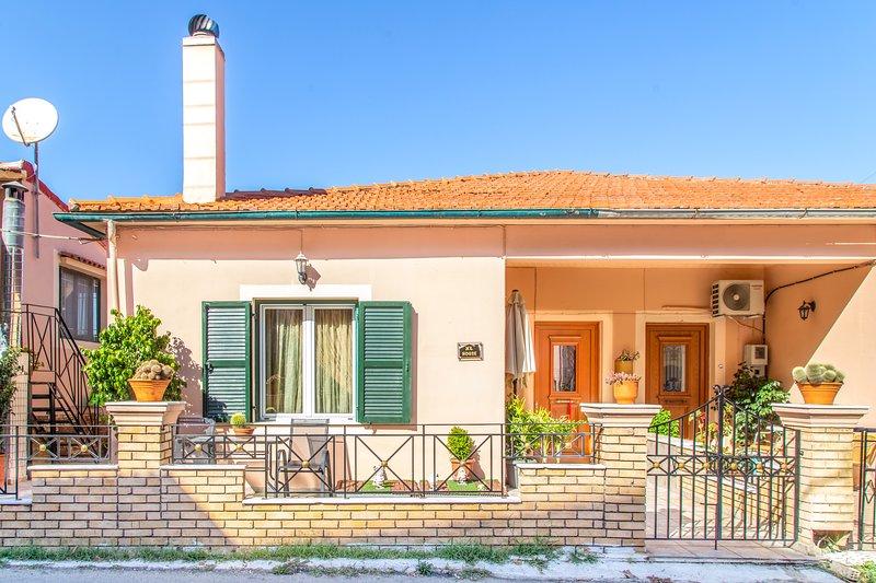 XL House, holiday rental in Agios Matthaios
